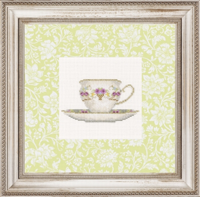 Classical Theecup with flowers